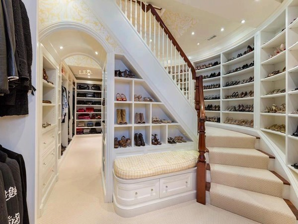 Walk In Closet With Two Floors