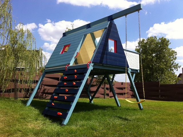 20 of the coolest backyard designs with playgrounds for T shaped swing set